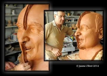 Jordi Grau treballant en un capgròs